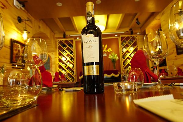 Cách gọi rượu vang tại nhà hàng