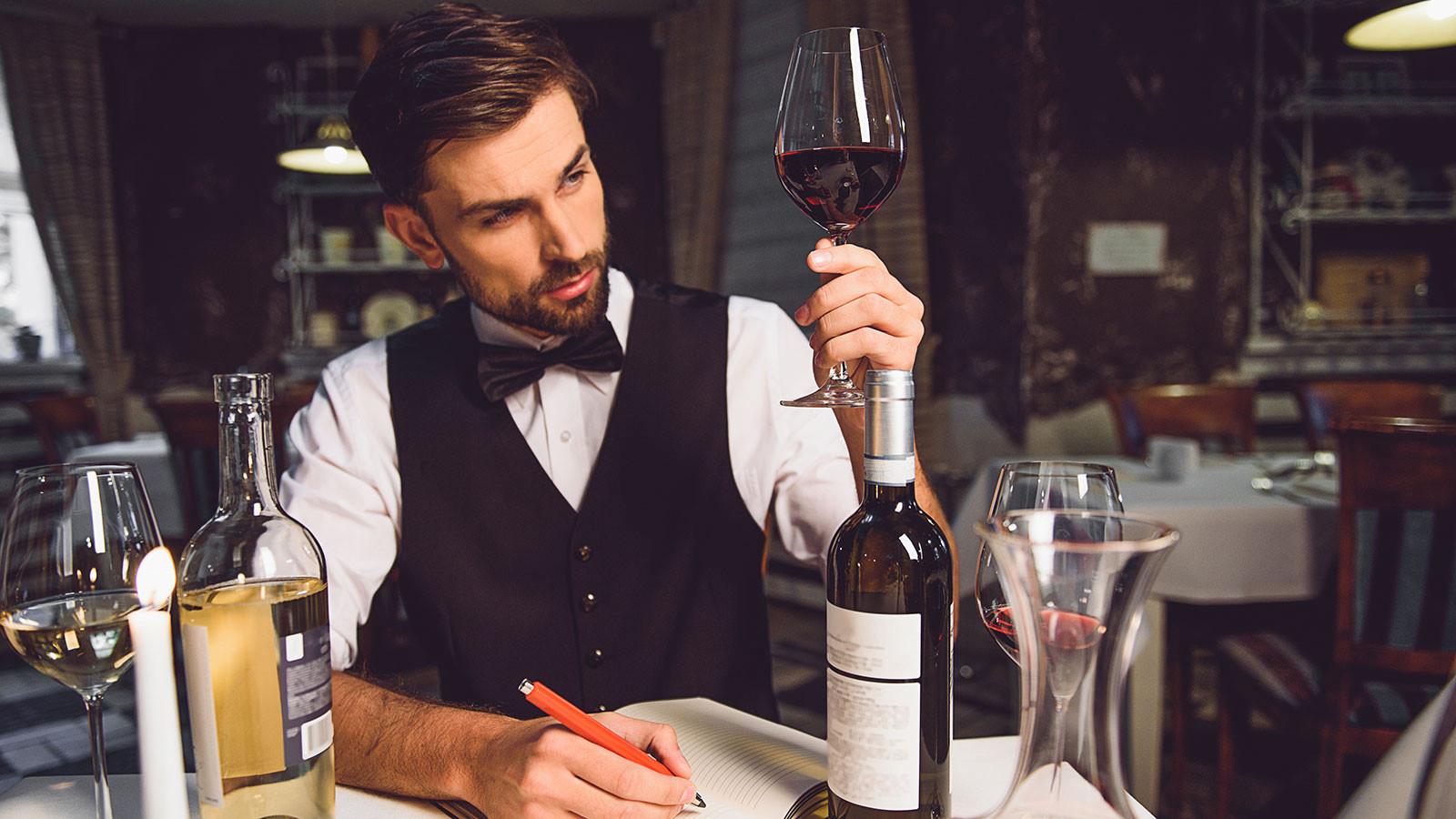 Sommelier - vật báu trong ngành rượu