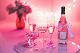 Sự khác biệt của rượu vang Hồng với các loại rượu vang khác